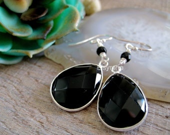 Silver Bazel Gemstone black Earrings- Bridesmaid earrings-weddings gemstone earrings-Gem drop earrings-Wedding earrings-Bridesmaid earrings