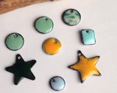 Etsy, Etsy Jewelry, Etsy Supplies, Enamel on Copper, Destashed Enamel Pendants, Enamel Star, Enamel Disc, Green, Yellow