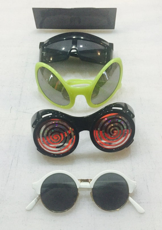 5 pack sunglasses as seen in store!