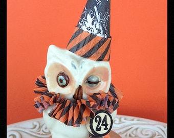Halloween Decoration Vintage Shawnee Owl Salt Halloween Ornament   TVAT