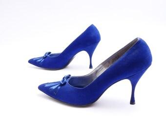 Size 8.5// Vintage blue suede shoes// Women's blue pumps// Blue suede high heels//97