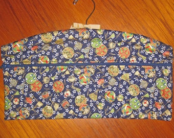 Tama Design Closet Hanger Organizer Quilted Asian Japanese Fabric Deep Blue