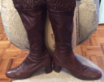 1970s leather Knee High Boots In Excellent Condition Size 81/2 AA