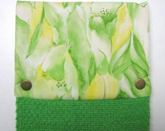 Towel, Hanging towel, Hand towel, Kitchen towel, bathroom towel, oven, snap on towel, guest towel, camper, Lilies on green