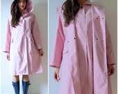 SUMMER SALE / 20% off Vintage 80s 90s Travelsmith Light Pink Hooded Raincoat