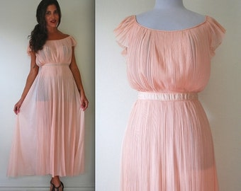FLASH SALE / 25% off Vintage 60s 70s Dream Angel Pink Accordion Pleated Nightgown (size medium, large)