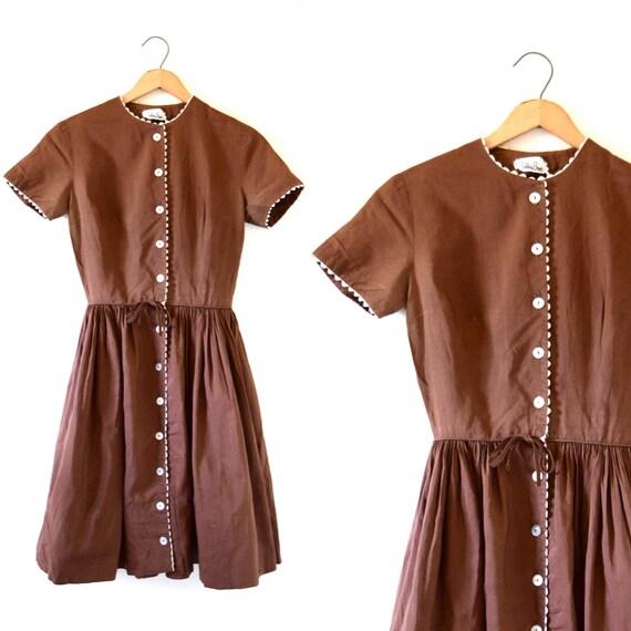 SPRING SALE/ 20% off Vintage 50s 60 Malt Shoppe Brown Cotton New Look Cotton Dress (size xxs, xs)