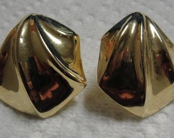 Vintage Gold Tone Pierced Earrings