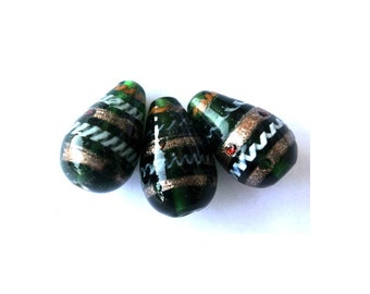 6 Vintage lampwork glass beads beautiful green color with trims