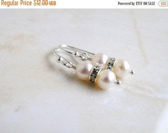 SALE 27% Off White Pearl Sterling Silver Earrings PE3