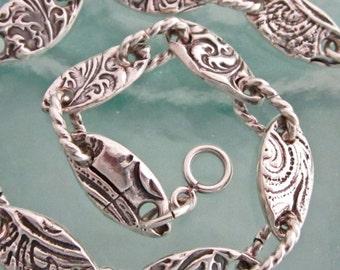 Feminine Link Bracelet