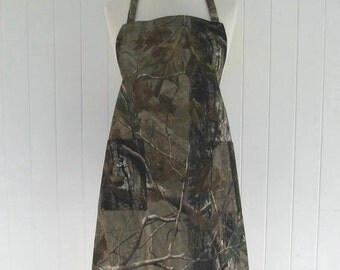 Adult BBQ Style Apron / Camo / Camoflauge / Hunting / Teens Apron / Full Apron / Butcher Style / Bridal Gift /