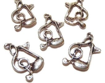 12 Music Note Charms 20x13x2mm ITEM:N11