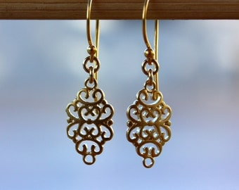Gold filigree earrings, Filigree earring, Arabesque golden dangle earrings, gold drop earrings, gift for her, filigree jewelry
