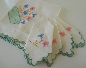 Vintage Tablecloth Linen Embroidered & Applique Tea Cloth and Napkin Set Wedding Tea Party - EnglishPreserves
