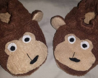 Monkey baby booties newborn infant slippers crib shoes for monkey baby shower gift handmade in brown fleece size 0-12 months