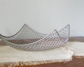 Vintage modern style wire basket square with upturned edges mesh silver centerpiece fruit basket