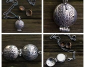 Custom for R Sterling DiffuserPendant without chain, 5 porcelain discs, 6 wool felt discs and a bottle of lavender oil.