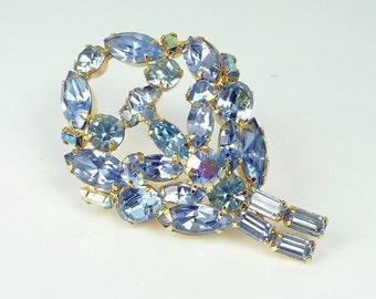 Vintage Weiss Ice Blue Rhinestone Brooch