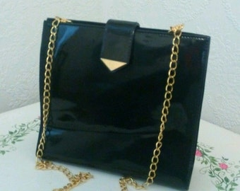 Vintage GINNIE JOHANSEN Patent Leather Black Purse Handbag Chain Shoulder Handle