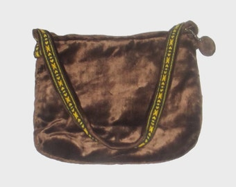 1970s purse / vintage 70s handbag / Brown Velour Walborg Handbag
