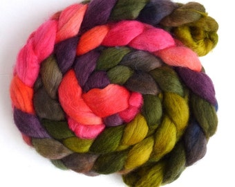Corriedale Wool Roving - Hand Painted Spinning or Felting Fiber, Blazing Contrast