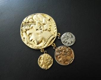 Classy vintage 80s combine metal, roman coins , large brooch.