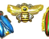 des années 60 tin Toy BUG broches, bijoux de fantaisie insecte jouet en métal 3 fabriqué au Japon.