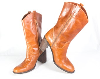 VTG 90's Honey Brown Leather Boots size 10 Womens Calf High Heels Wooden Stacked GoGo Zip Up Western Tall Boots