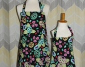 Flower Power Mommy and Me Matching Mother/Daughter Apron Set - FREE or PRIORITY shipping