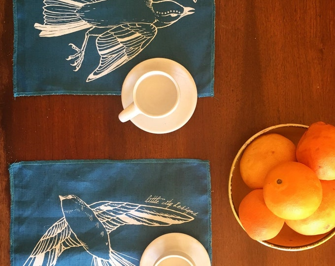Fly Away Sparrow Placemats in 2-Sided Linen - Set of Two