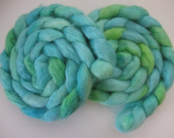 Sunshine Grass- Wensleydale Wool Roving (Top) - Handpainted Spinning or Felting Fiber - 4 ounces