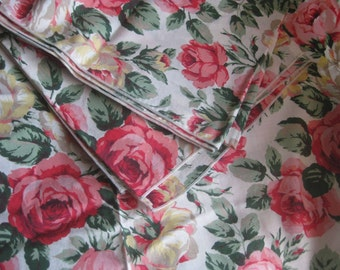 "Tablecloth with Rose Motif Vintage 42"" Square"
