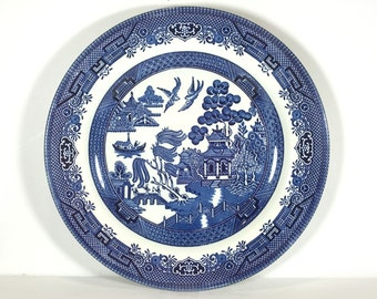 """Vintage """"Blue Willow"""" Dinner Plate, by Churchill, England, Blue and White, Chinese Design"""