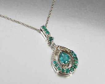 Vintage Emerald Necklace, Natural Emerald Pendant, Sterling Silver Lavalier, Girlfriend Gift, Bridesmaid Gifts, May Birthstone Necklace