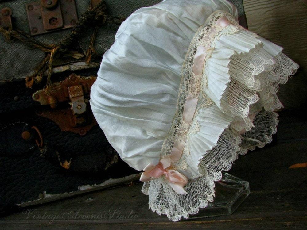 Antique Boudoir Night Cap / Vintage Lace Night Bonnet / Ladies