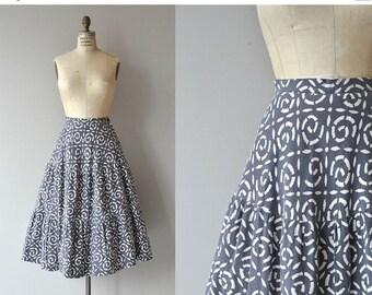 25% OFF.... Cambrian Swirl skirt | vintage 1950s skirt | cotton 50s skirt