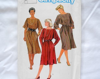 Vintage Simplicity 6688 sewing pattern, easy, pull-over dress, kimono sleeves, uncut, 1980s, 3 plus sizes