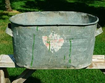Vintage Galvanized Metal Boiler Rustic Primitive Garden Planter Wash Tub Déco