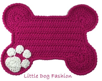 Placemat for Dog, feeding Mat for Dog, Unique Dog Gift, Dog Christmas gift, Snack Mat for Dog, Dog products, Crochet, Bone Dog, Berry Pink
