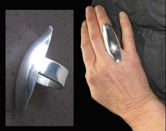 Unusually LONG Sleek and Sculptural Sterling Silver Modernist Knuckle Ring,Mexico,Vintage Jewelry,Women