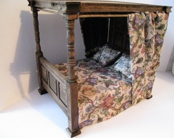 Dollhouse Bed, Tudor Bed, double bed, Medieval bed, dressed bed,  Canopy bed,  dollhouse miniature,  twelfth scale