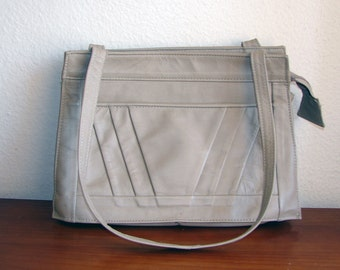 Simple Honest 1970s Beige Leather Shoulder Bag - Made in Mexico