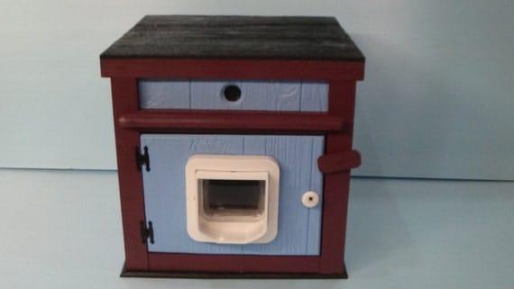 Large Heated Outdoor Cat House/Microchip Door