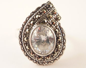 Size 9 Beautiful Vintage Sterling and Marcasite Deco Ring with Clear Glass Gemstone