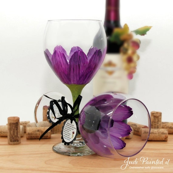 flower wine glass, floral wine glass, painted wine glass, red violet, purple wine glass, gerber daisy, personalized gifts, wine lover gift