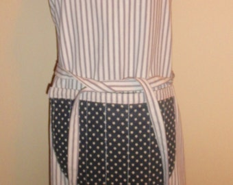 Simply Sheila large size blue white ticking apron