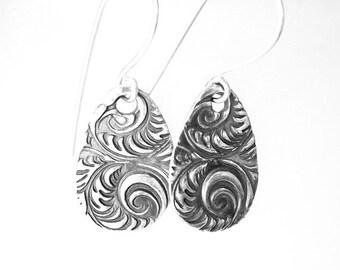 Plume Design Earrings - Fine Silver
