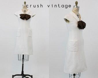 60s Dress Cotton XS / 1960s Vintage Dress Pockets Mod Shift / Bow-tiful Dress