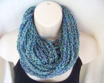 Crochet ininfity rope scarf